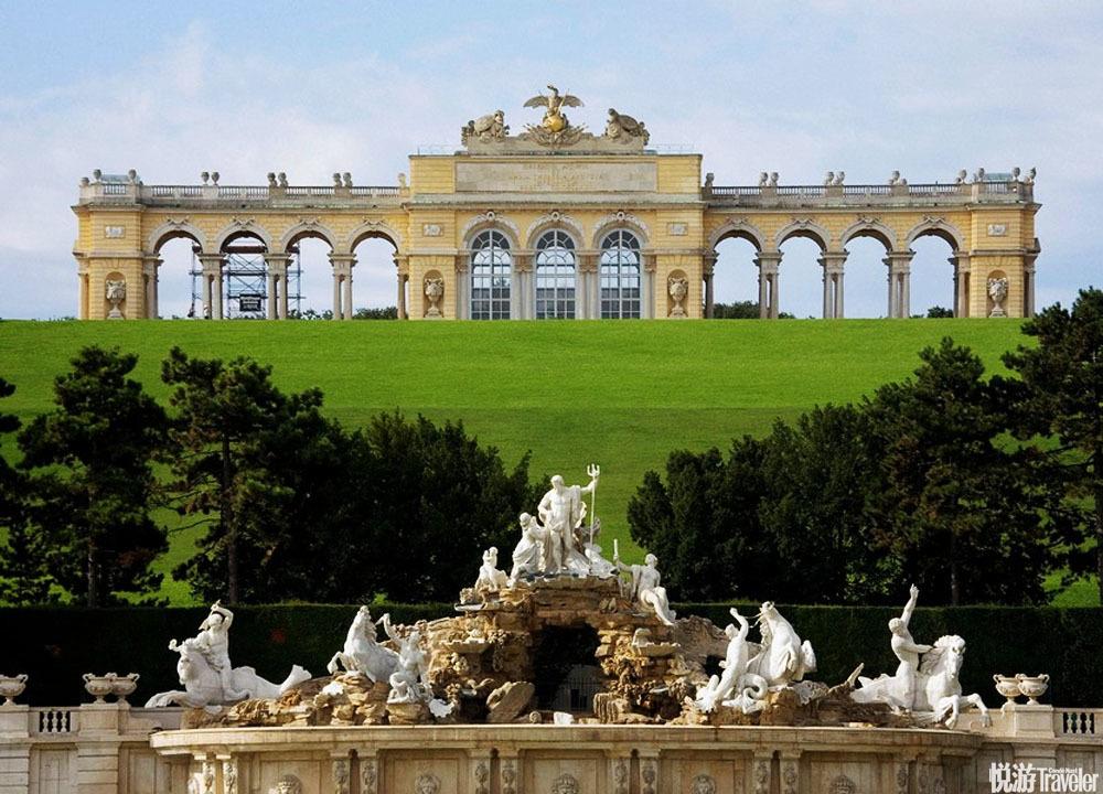 奥地利美泉宫:巴洛克式建筑,洛可可风格房间,法式园林构成了这座雄霸
