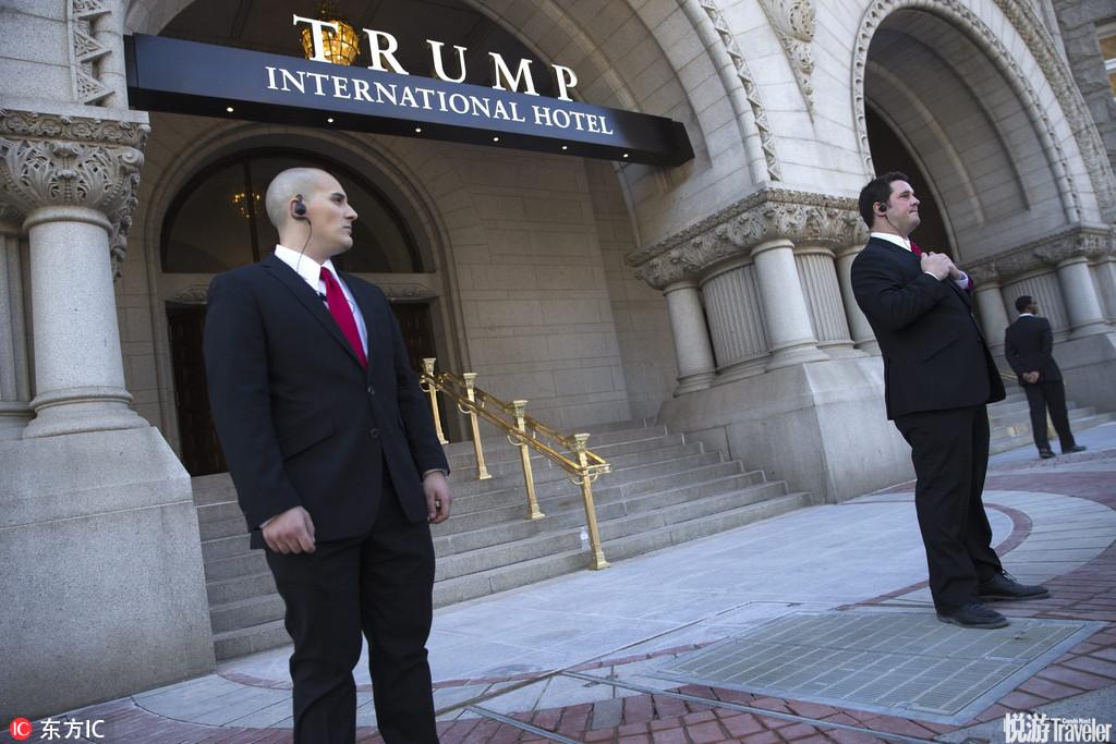 當地時間2016年9月12日,美國華盛頓,特朗普國際酒店即將開業,建筑工人正在工作。據報道,華盛頓特區具...