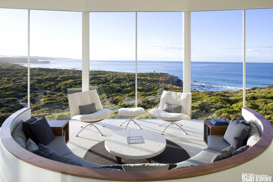 """澳大利亚袋鼠Southern Ocean Lodge:2008年,这座悬崖上的""""车站度假村""""正式开启,21间一字排开的套房则..."""