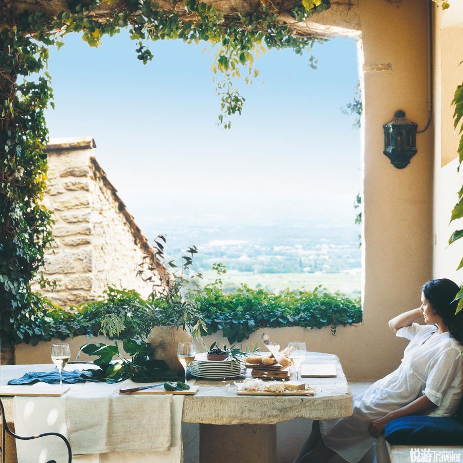 """法國 克里隆勒布拉沃Hotel Crillon Le Brave:自開業來的26年間,這座以小鎮名""""克里隆勒布拉沃""""命名的..."""