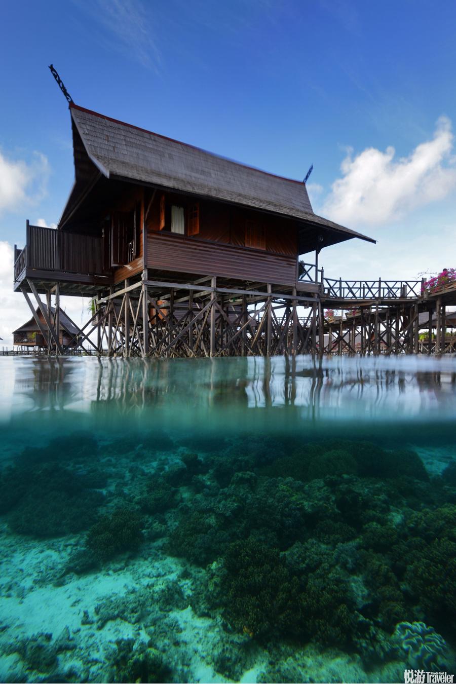 九年前,為了給身負六個度假村的詩巴丹島一個喘息的機會,馬來西亞政府曾號召業者將自己的生意搬到臨近的...
