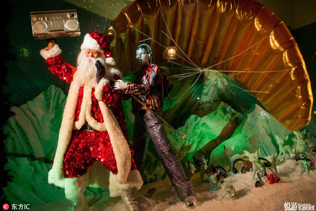 当地时间2016年10月20日,英国伦敦,塞尔福里奇百货公司推出今年的圣诞橱窗,拉开一年一度圣诞大戏的序幕。