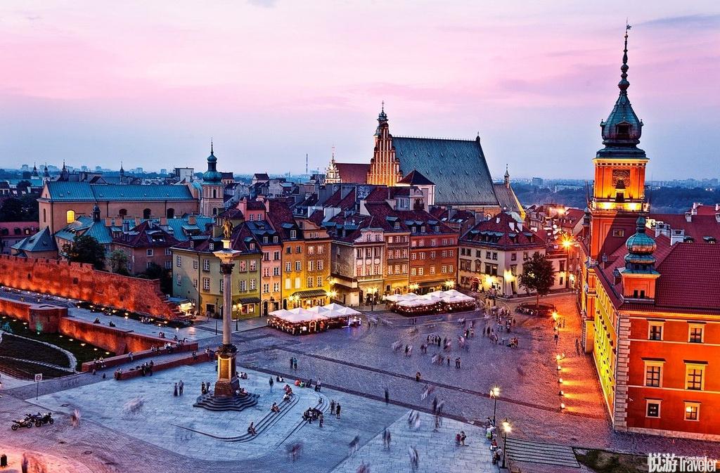 波兰华沙城堡广场:城堡广场是参观老城区的起点。广场的中心建筑the Sigismund III Vasa Column每天吸引...