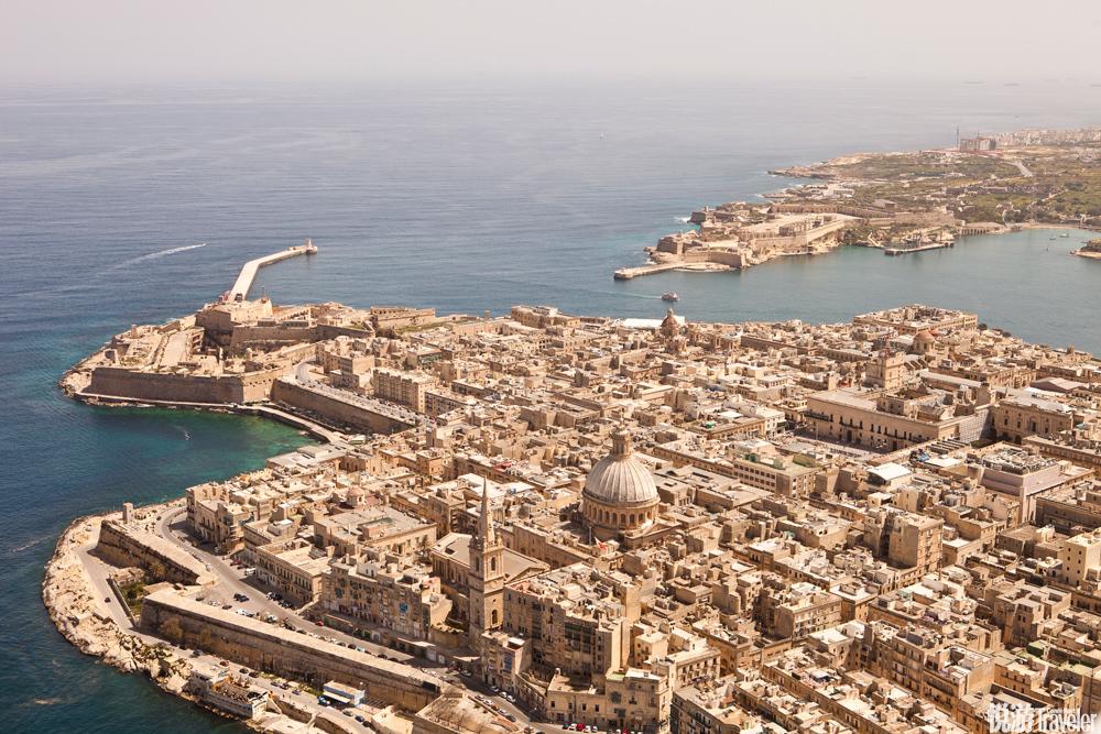 虽然马耳他已在1964年从英国独立出来,但时至今日,这一英联邦国家依然处处都体现出与英国的紧密联系。最...