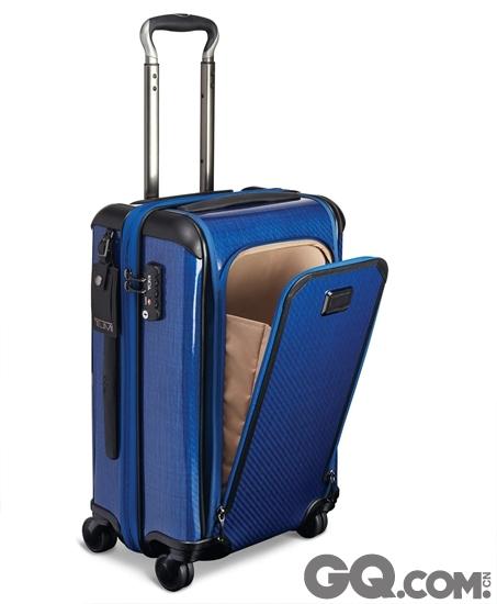Tegra-Lite Max行李箱内部选用防水衬里并附有系紧带,方便妥善收纳个人用品。系列手提行李箱和大型行李箱均备有商务旅客所需的西装套系统,后者更可将西装套拆出独立使用。行李箱表面TPU亮面防刮涂层,并有五款颜色选择:T-Graphite石墨、Sunrise橙、Baltic海蓝、Charcoal炭黑和woven Herringbon千鸟格织纹。