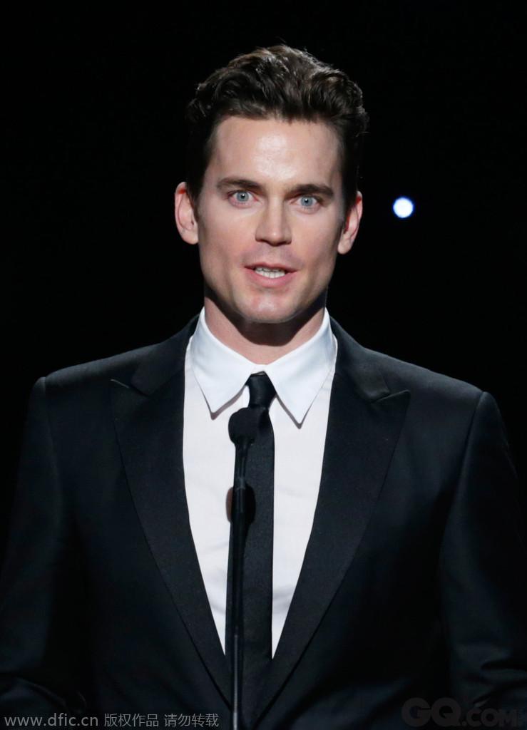 《妙警贼探》中饰演男主角NealCaffrey,一举成名,剧中性感雅痞的形象深入人心,他也获得了人们的喜爱,成为美国电视剧里经典的美男子。