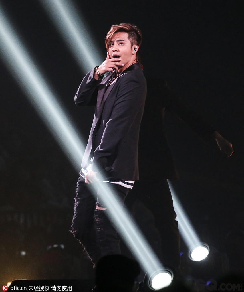 罗志祥 罗志祥是MTV亚洲大奖最佳台湾艺人得主,更以无与伦比的舞技和舞台爆发力,成为当之无愧的亚洲唱跳天王,更有新