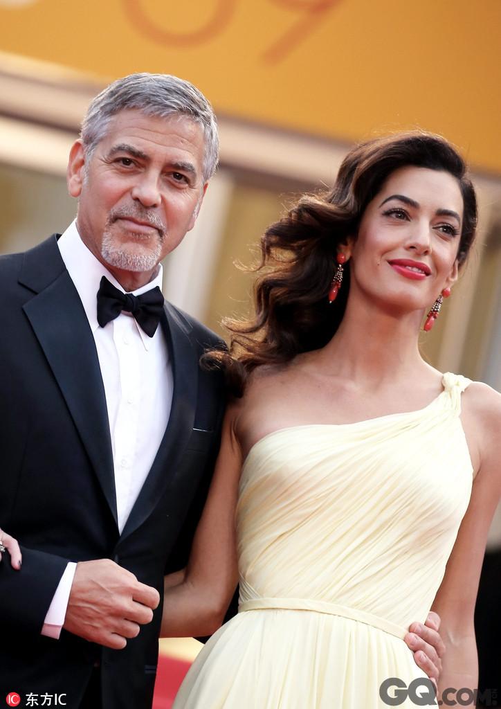 """乔治5月获颁亚美尼亚人道精神奖却婉拒出席,他特地录影片致意,幽默地说:""""我真的想去,但如果去了,老婆又在我离开时生下孩子,我想我就不用回家了!"""""""