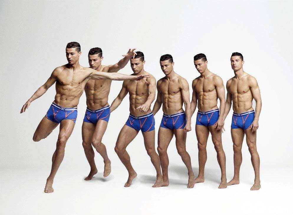 """当地时间2015年8月7日,C罗为其自己品牌CR7的内裤拍摄了一组写真,他表示:""""这一些列内裤将注重运动性,采用的是最轻最舒适的面料,包裹感很强,舒适度和外形是同等重要的。""""该内裤将由一家丹麦公司进行生产。"""