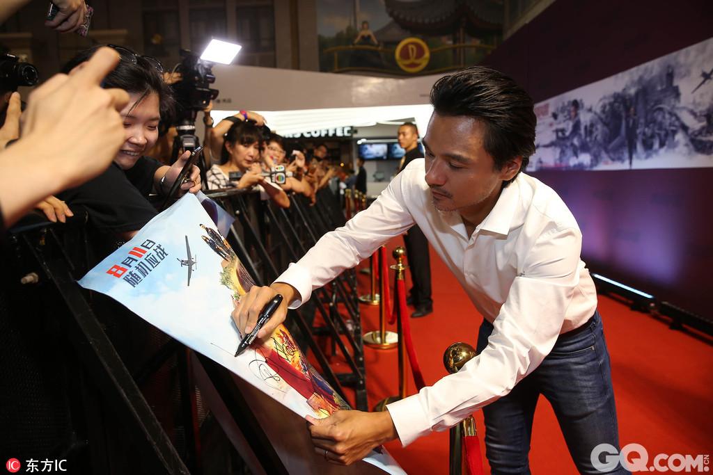 2017年8月8日,北京,《侠盗联盟》举行首映红毯。