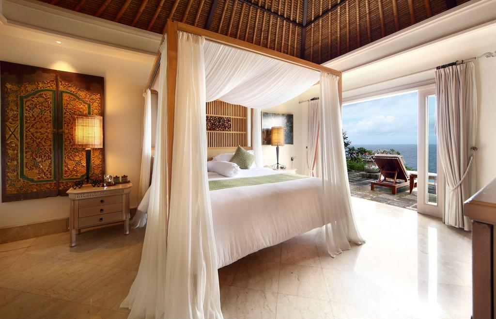 巴厘岛阿雅娜度假海景房