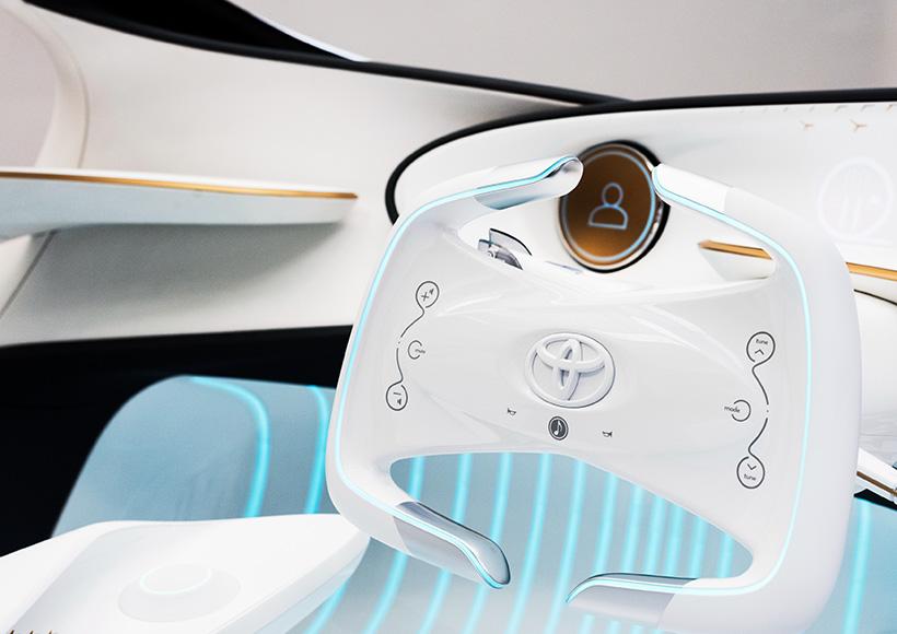 在2017年国际消费电子展(CES)上,丰田展出了其首款智能自动驾驶概念汽车 - Toyota concept-i未来版,并用它成功的惊艳了见到它的所有人。
