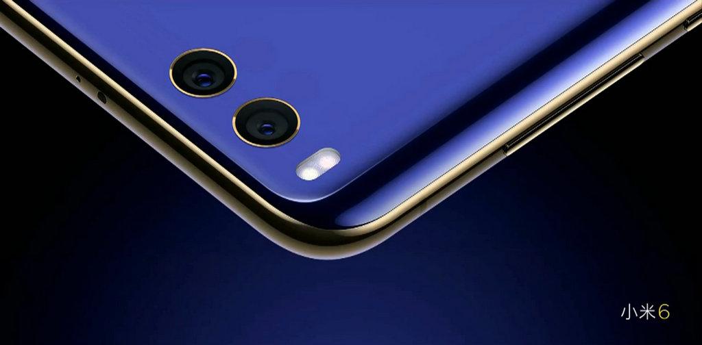 升级的双摄镜头采用与iPhone 7 Plus相同的广角+长焦,搭载四轴光学防抖。