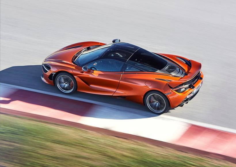 """超跑的发展日新月异,沃金人全新推出本年度爆款超跑之一的 720S 震撼来袭。新车继承了迈凯伦""""一切设计都是以驾驶者为中心来展开""""的风格,最大化提升驾驶体验。"""