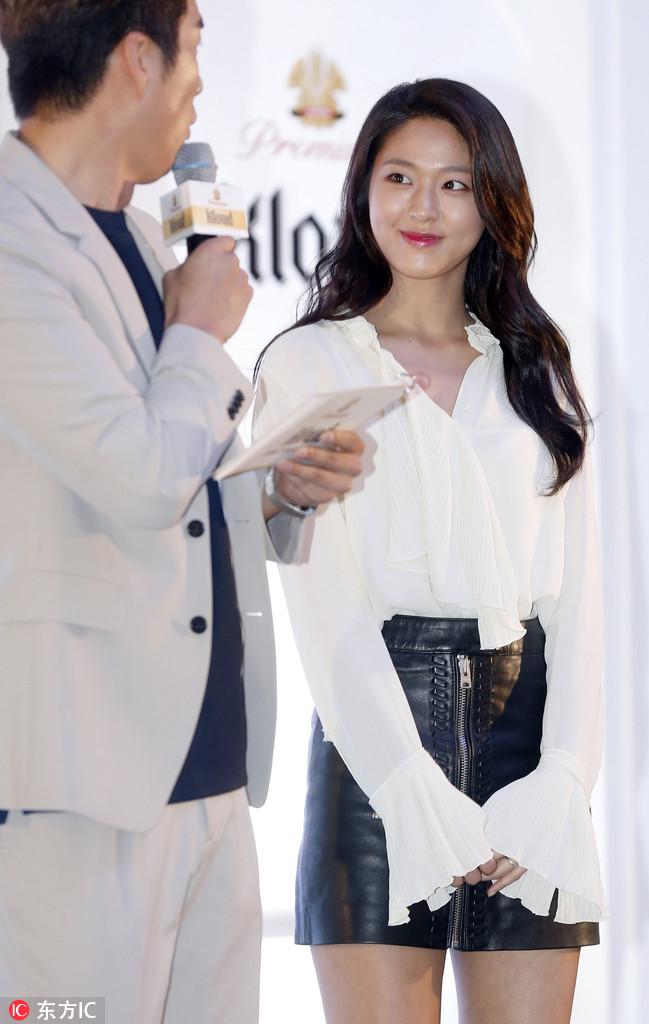 2017年5月18日,韩国首尔,AOA金雪炫(Seol hyun)出席粉丝见面会。