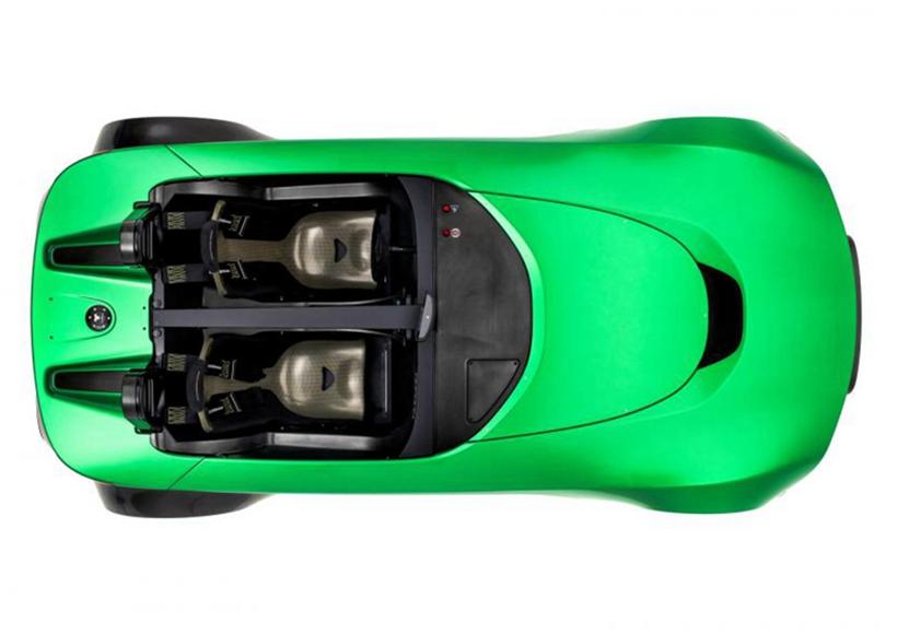 另外,值得一提的是,AeroSeven的车身采用了碳纤维及复合材料所打造,创造出了兼顾轻量化与高强度的车身。