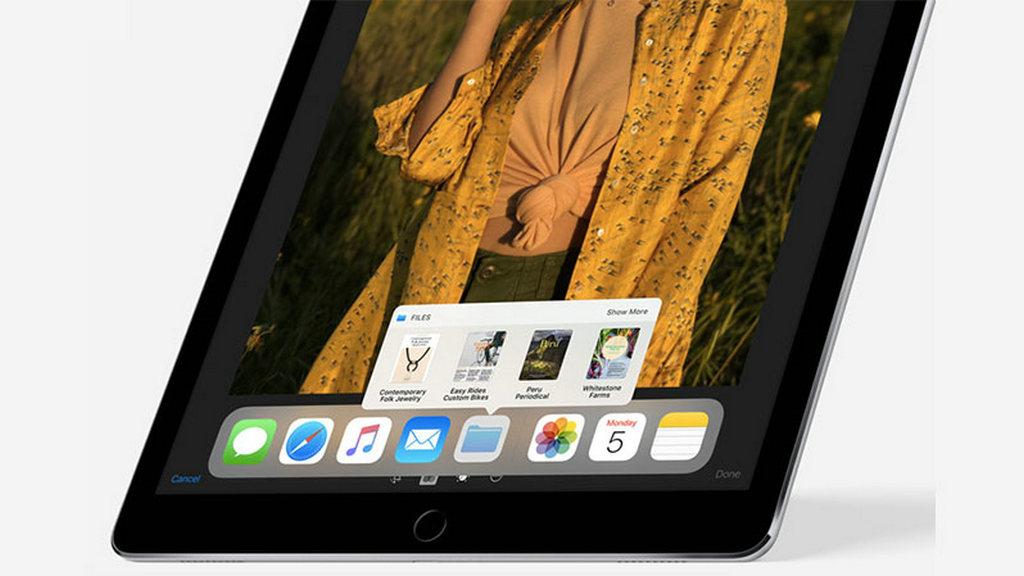 基于iOS 11系统,更多地是应用APP方面的提升,File管理可以融合更多国产应用功能,分屏的功能让用户对后台和前台应用操作方便到只用手指拖滑。
