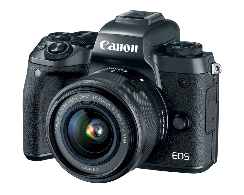 NO.6佳能EOS M5 380克的佳能EOS M5是一款无反相机,搭载的DIGIC 7图像处理器,可以完成高速对焦和切实追踪。同时还带有可以翻转的触摸屏,可以快速完成对焦,每秒可以完成9张连拍。由于重量轻,很满足足协的要求。 参考报价:5699元