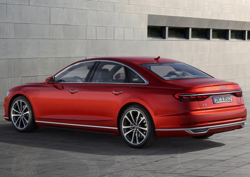 在动力方面,A8将成为奥迪车系中首款搭载48V轻混电力系统的车型。配备这套系统的A8将在动力输出上提升16马力,最大扭矩60牛•米。