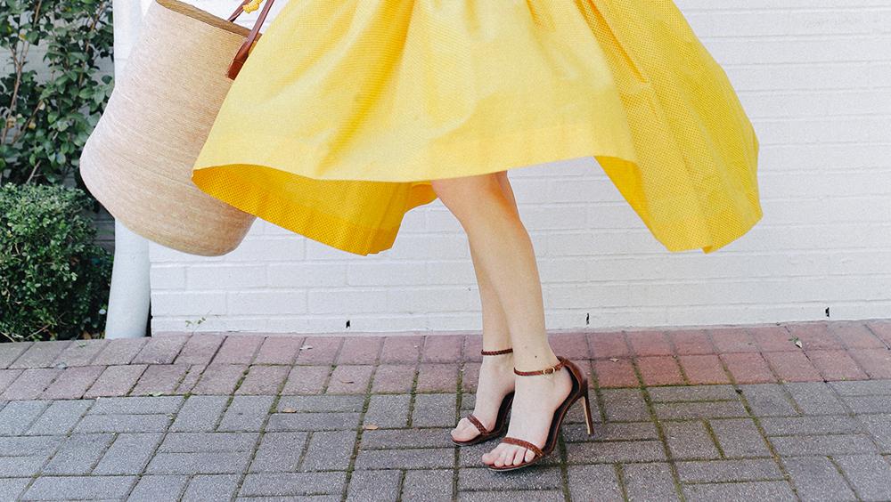 """穿上一字带 就相当于穿上凉鞋界的""""比基尼"""""""
