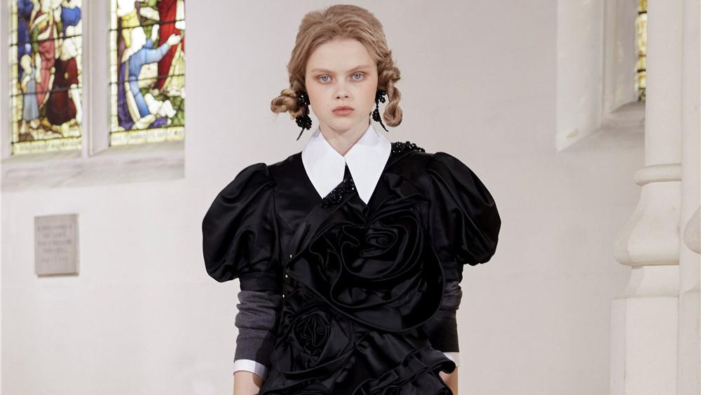伦敦 2021 秋冬时装周的妆发趋势
