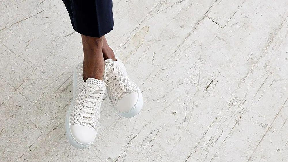 百搭不受限,一双高颜值小白鞋完美拯救你的穿搭荒