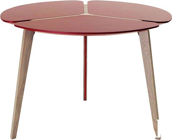 flower桌 以花朵造型为设计点,分开的花瓣造型使这款桌子唯美可爱.