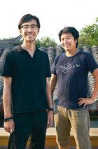odd建筑事务所合伙人与首席设计师:出口勉(左)与冈本庆三(右)。他们正是让这个小空间魔法大变身的人。
