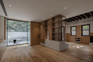 上海里弄极小天井住宅改造