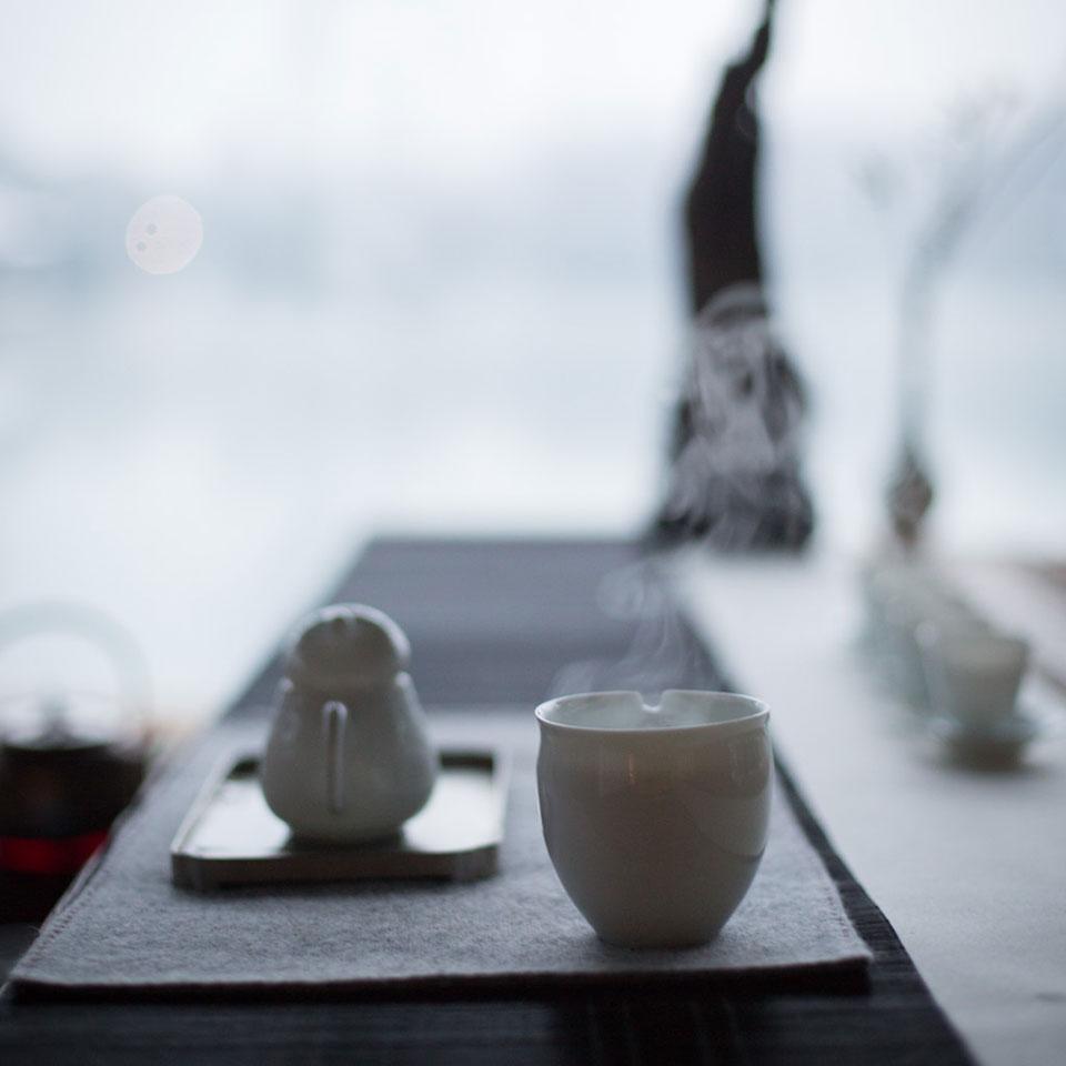 秋风秋雨愁煞人,但我说有什么是一杯暖茶不能安慰的?