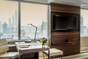 上海四季酒店 Four Seasons Hotel Shanghai:毗鄰淮海中路、南京西路商圈和大片上海經典住宅區。422間客...