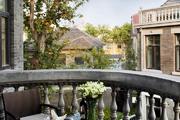 南京颐和公馆 The Yihe Mansions:颐和公馆选取了颐和路民国公馆区内26栋别墅汇编成酒店。这些青砖青瓦的...