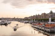 斯德哥尔摩热爱斯德哥尔摩的人,多是将这座城市盛赞为北欧威尼斯:只有比正宗意式水城更丰沛的浓情,才可...