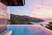 """塞舌尔群岛四季度假酒店:酒店别墅的创作是费尽心思,67栋别墅一律插上高耸的支杆,以""""树屋""""的姿态傲立..."""