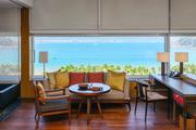 中国三亚太阳湾柏悦酒店:柏悦在中国开出的第一家海滨度假酒店,藏在海南岛纬度最南端的太阳湾。从酒店大...