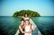 作為柬埔寨第一家奢華型的島嶼酒店,羅瑞和米莉塔非常清楚自己的示范作用。島上缺乏基礎設施,一開始的建...
