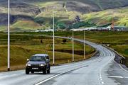 雷克雅未克夏季艳丽的色彩常常让人感叹大自然的创造力,常常有摄影爱好者不远千里来此,只为捕捉冰岛夏季...