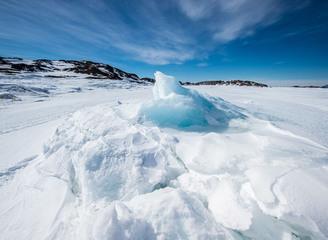 格陵兰岛绝美风光 冰山落日绘出壮丽画卷
