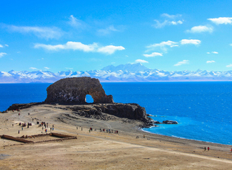 中国最美湖泊:西藏纳木错湖水天一色如蓝宝石