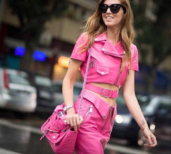 大号机车包当仁不让的成为全球著名时尚界红人与国内图片