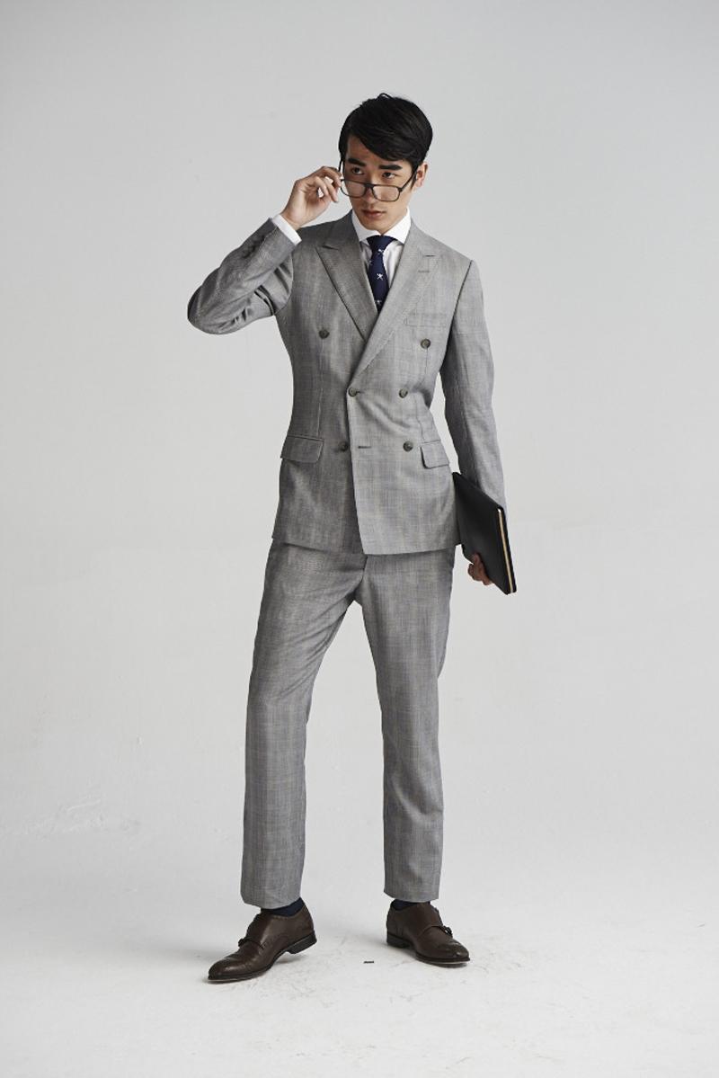 双排扣西装搭配不当就容易显得老气横秋