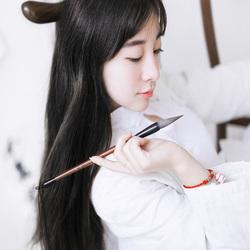 中国风格的白衣少女