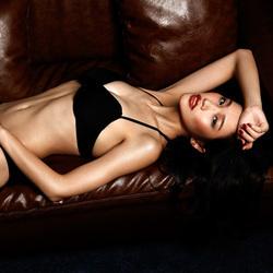 沙发上的性感女郎