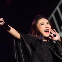 戴佩妮生日夜上海开唱 票房口碑双丰收惊艳粉丝