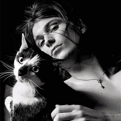 全是猫!纪梵希的时尚大片里全是猫! | GQ Daily