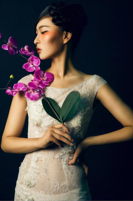 兰花与少女