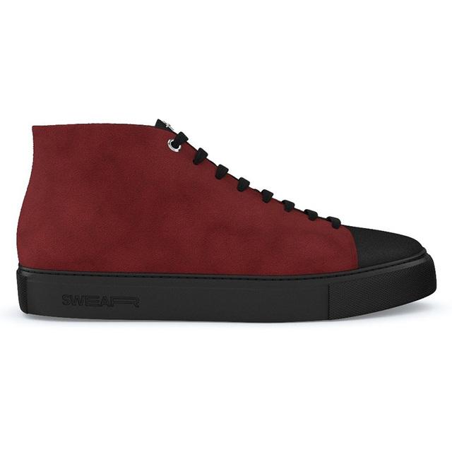 兼具叛逆与优雅的绒面皮板鞋