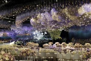 迪拜土豪新娘梦幻婚礼 6.5万颗水晶装饰宛如仙境