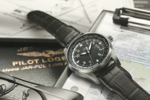 """空中飛人的""""手提行李"""" 世界時間腕表"""