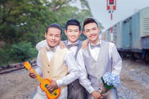 泰国三名男同性恋举行婚礼成全球首例